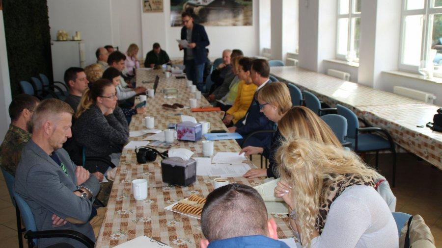 Spotkanie sekcji promocji w muzeum w Dąbrówce